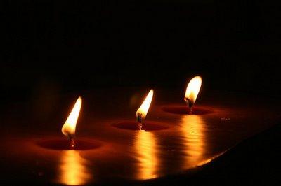tres espelmes